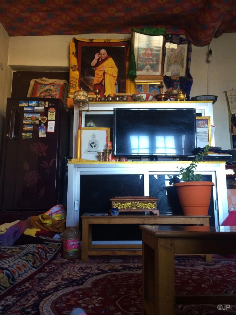 7_Lama Lopsang_Home