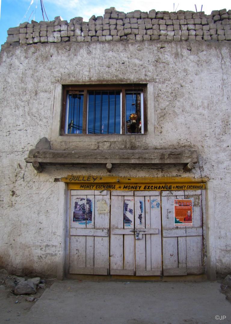 7_Road to Shanti Stupa